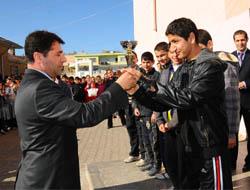 Dereceye Giren Öğrencilere Kupa ve Madalya