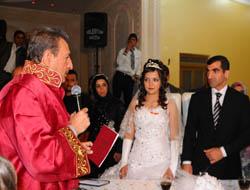 Midyat'ta 1 Yılda 433 Çiftin Nikâhı Kıyıldı