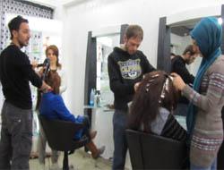 Midyat'ta Kadınlara Ücretsiz Saç Kesimi