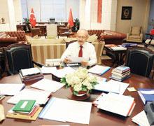'Eğitim tartışması anayasayı etkilemeyecek'