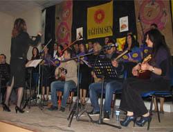 Eğitimcilerden 6 farklı dilde konser