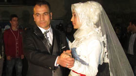 Hatice ile Ata Evlendi