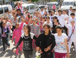 Midyat'ta Gençlik Bayramı Yürüyüşle Başladı