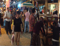 Midyat'ta Bayram Alışverişi Bir Başka Güzel