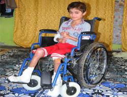 Küçük Halil İbrahim'e Tekerlekli Sandalye