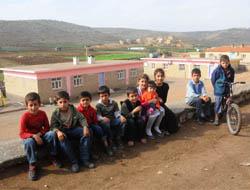 Köylülerden Öğretmenlerini Kaçıran PKK'ya Tepki