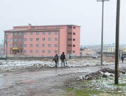 Öğrencilerin Okul Yolunda 'Çamur' Çilesi