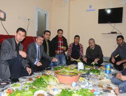 Eğitim Bir-Sen Üyeleri ile Çiğ Köfteli bir Toplantı Yaptı