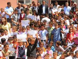 Kaymakam Bingöl, Toptepe Köyü'nde karne dağıttı
